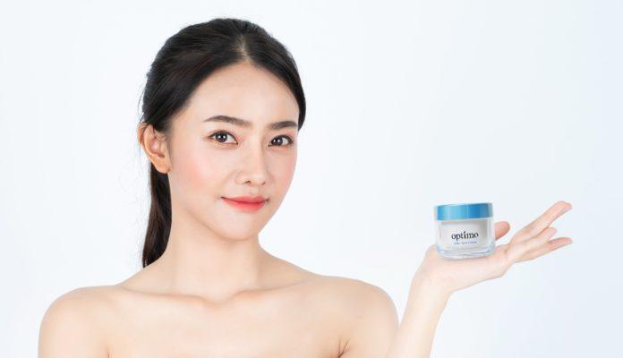 Trẻ hóa làn da với mỹ phẩm Optimo Nhật Bản